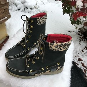 Sperry Topsiders Leopard and Black Leather Boots 8